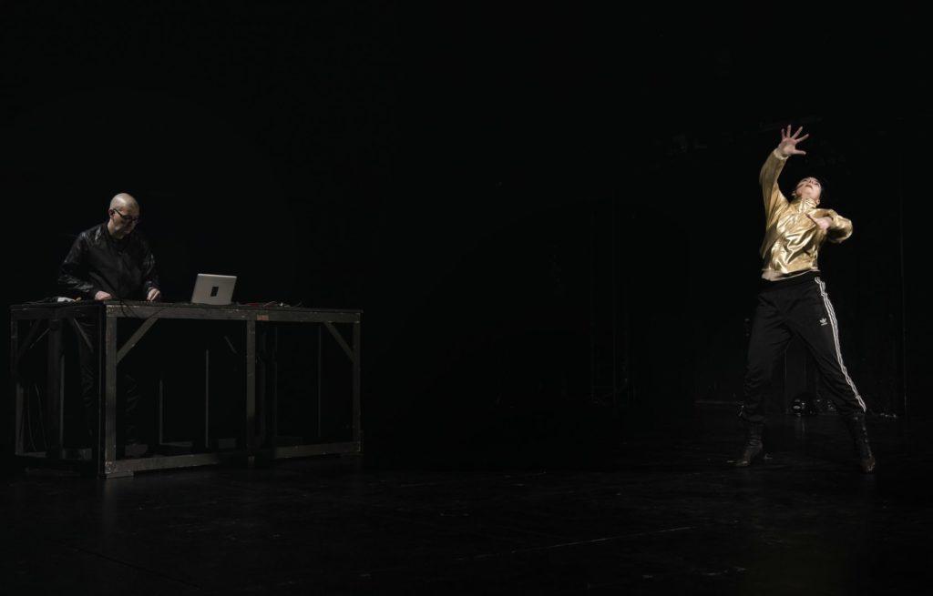 02 Seismic Dancer ® Emma Szab+¦.jpg [desktop Auflösung]