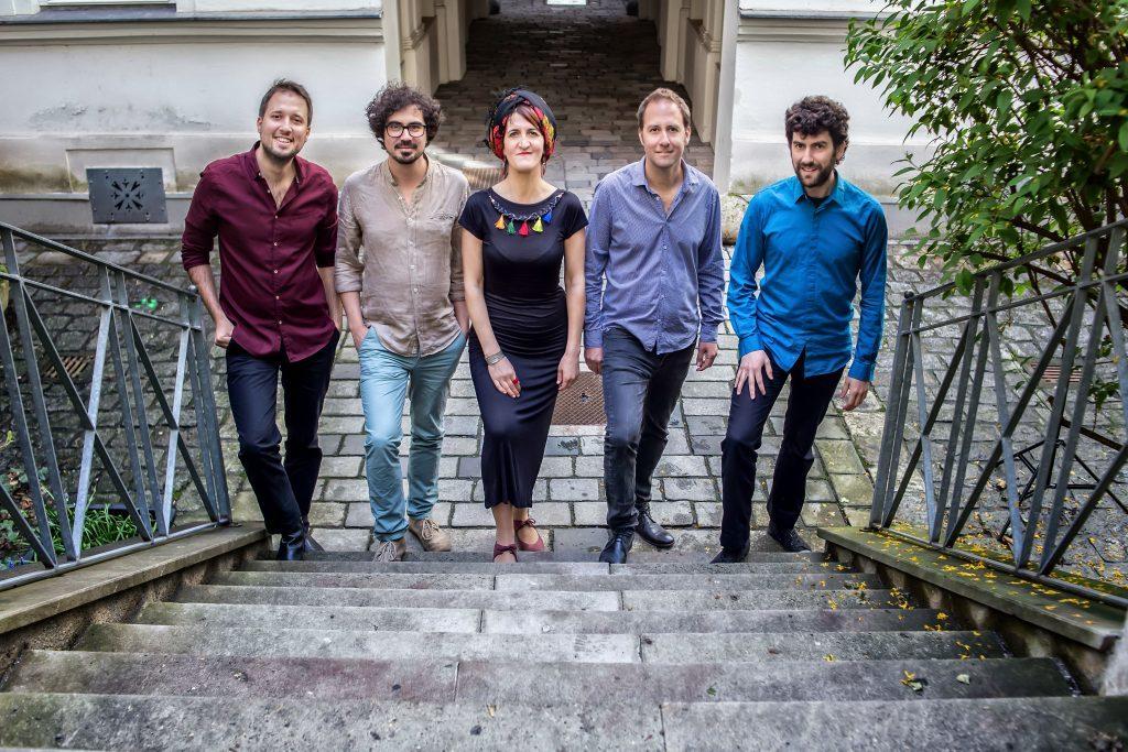 Sakina & Friends © Derya Schubert Gülcehre