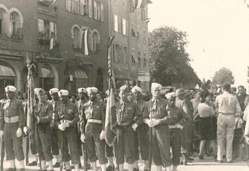 Relève Des Soldats Marocains Stationnés à Bregenz Par Les Chasseurs Alpins En 1946 © Stadtarchiv Bregenz