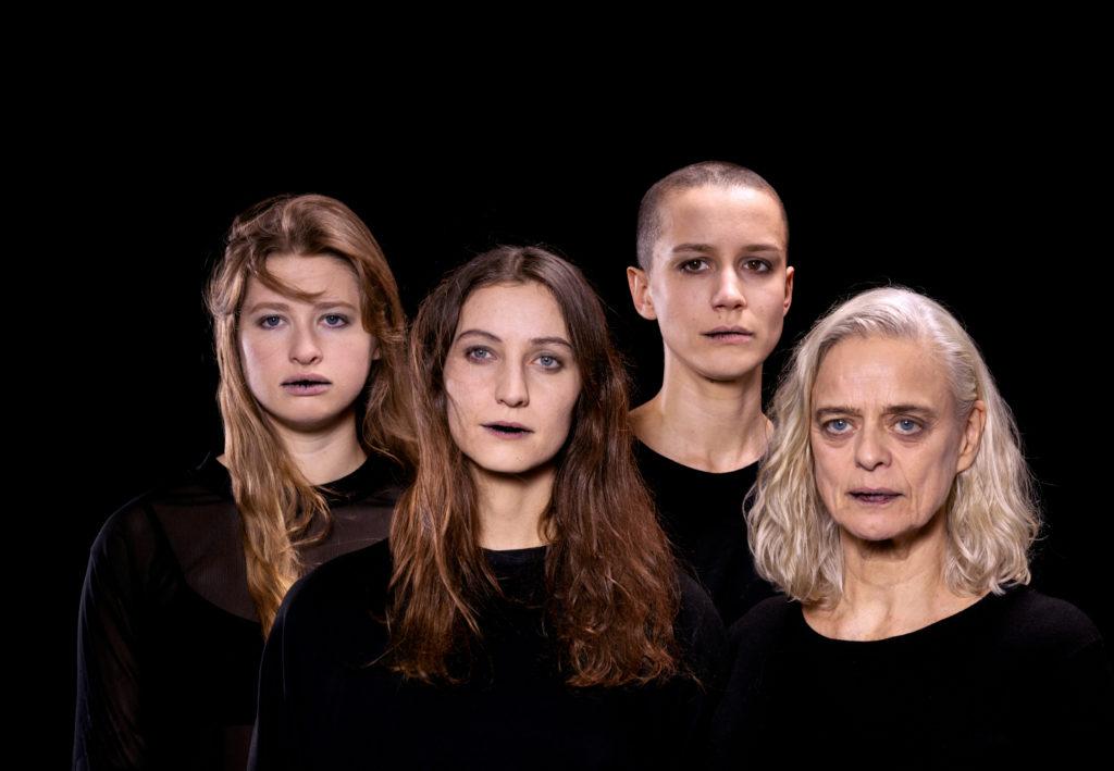 Groupe Noir Big Sisters (c) Erwan Fichou