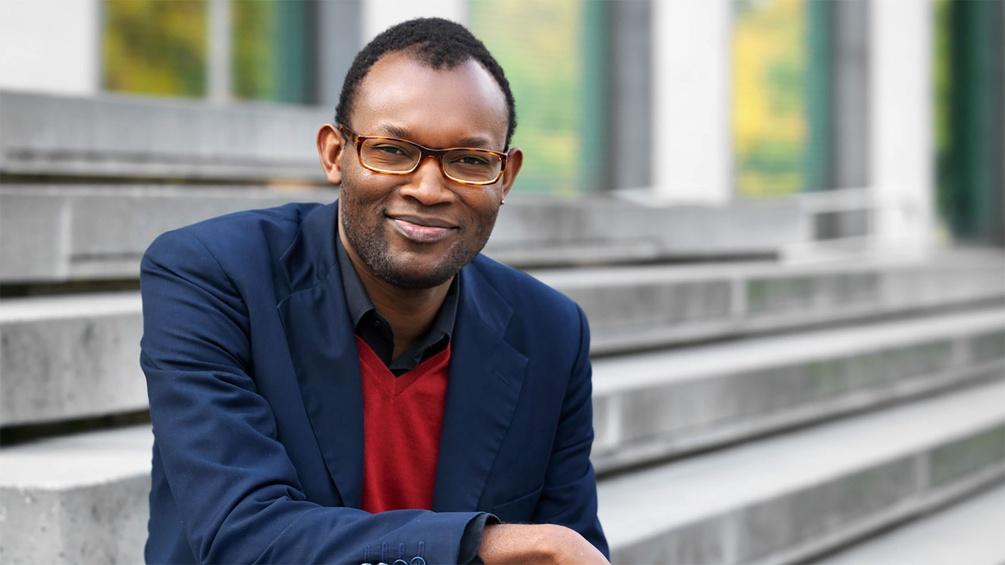 Fiston Mwana Mujila (c) Leonhard Hilzensauer Paul Zsolnay Verlag